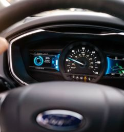 driver dash in a 2019 ford fusion hybrid [ 1200 x 801 Pixel ]