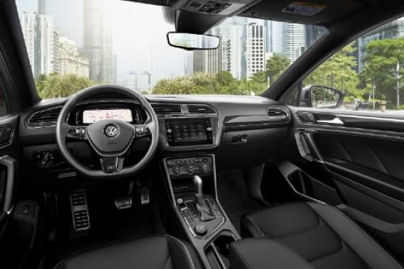 2020 Tiguan cockpit view