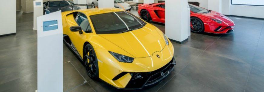 Lamborghini Huracan vs Lamborghini Aventador S