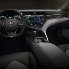 All New 2018 Camry Release Date Harga Terbaru Grand Avanza Of The Toyota Steering Wheel And Infotainment System In