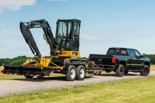 small resolution of 2018 chevy silverado 2500 hd towing a piece of heavy equipment