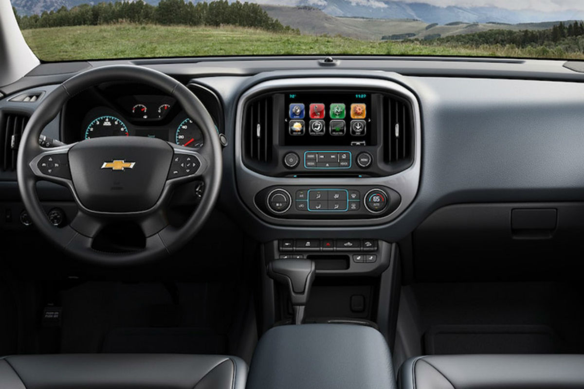 hight resolution of 2018 chevy colorado s driver s cockpit