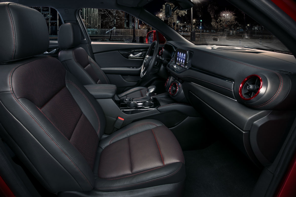 hight resolution of side view of the 2019 chevy blazer s front seats
