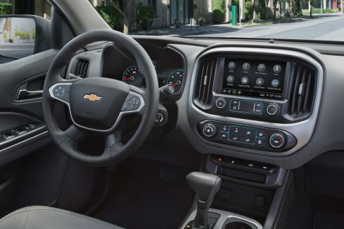 small resolution of driver s cockpit of the 2019 chevy colorado