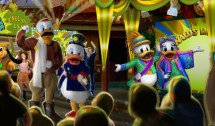 Disney World' Animal Kingdom Ducky With Dino-bash