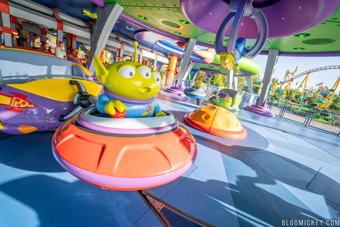 Toy Story Land guide - Alien Swirling Saucers
