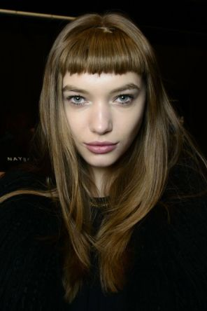 Baby bang ou franja curtinha - cabelo comprido
