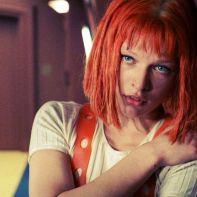 "Milla Jovovich como Leeloo em ""O Quinto Elemento"""