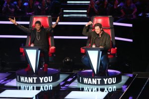 "Usher and Blake Shelton Coaches on ""The Voice"""
