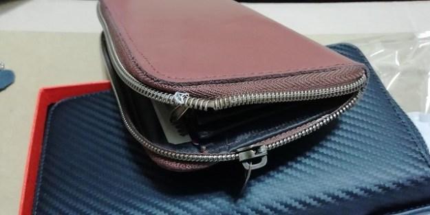 長財布のファスナーがぶっ壊れてしまいました(汗)