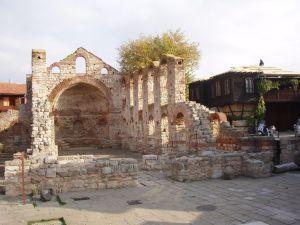 Развалины базилики Церкви Святой Софии.