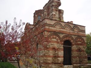 Несебр. Старинный храм.