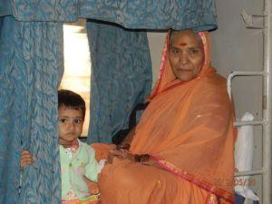 Анна Волынская. Индия. Люди в поезде.