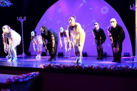 Театр кукол. Искусство маленьких шагов. Танец с масками.