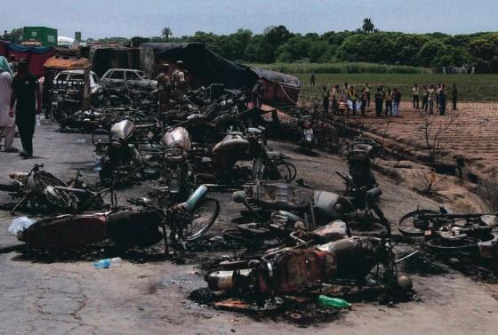 190-killed-pakistan-fire