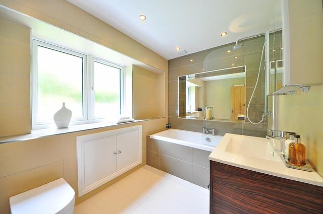a new clean and neutral bathroom