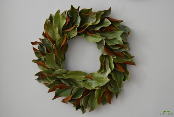 diy-magnolia-wreath