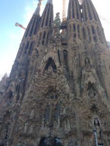 outer architectural features of la Sagrada familia