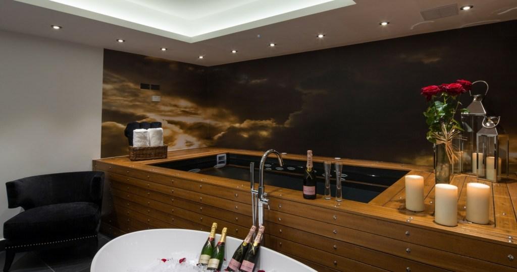 Bathroom with luxury bath at Exhibitionist