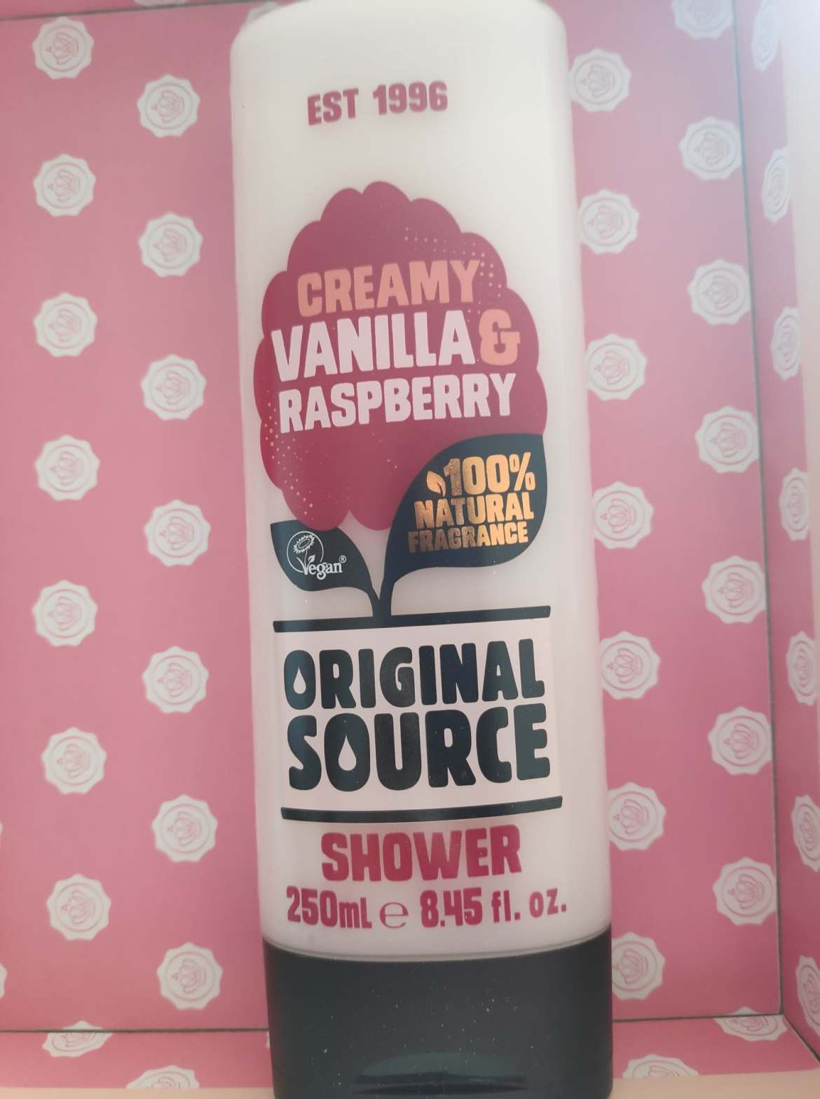 Original Source 100% natural Creamy Vanilla and Raspberry shower cream