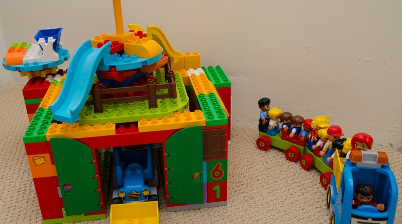 Play with DUPLO