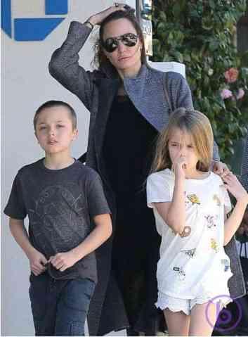 Angelina Jolie, Knox and Vivienne