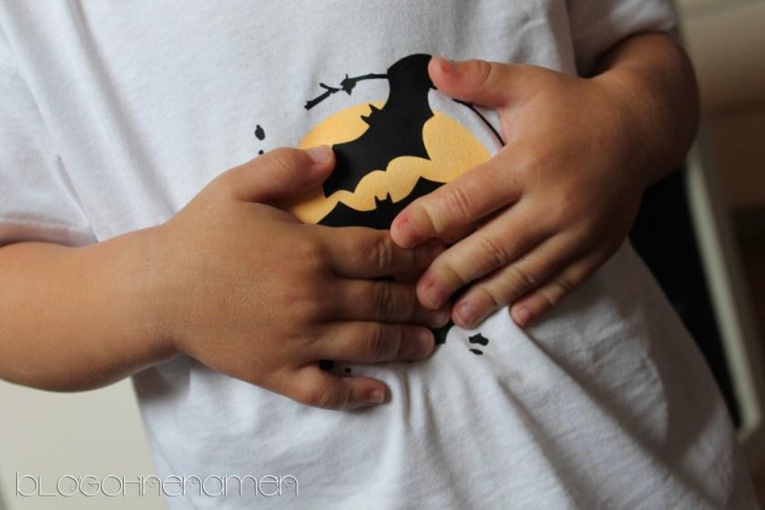 t-shirt-mit-fluoreszierender-textilfarbe-und-flexfolie-gestalten-halloween-ideen-2