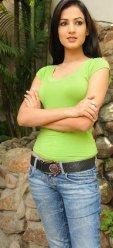 Sonal-Chauhan-Tight-Green-Top-Denim-Jeans (16)