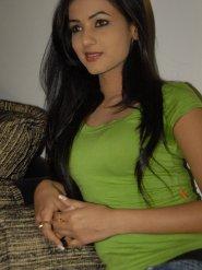 Sonal-Chauhan-Tight-Green-Top-Denim-Jeans (35)