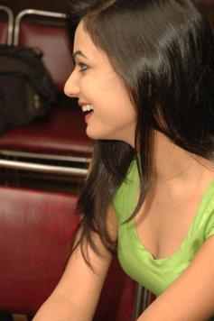 Sonal-Chauhan-Tight-Green-Top-Denim-Jeans (70)