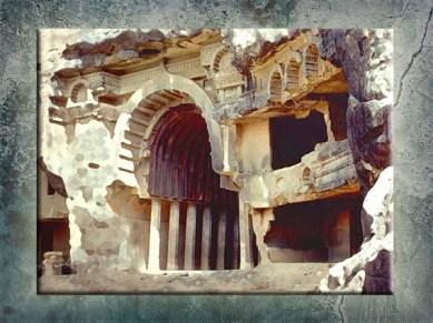 D'après l'entrée imposante du temple de Bhâja et ses balcons, vers le Ier siècle avjc, Mahârâsthra, Inde du Sud. (Marsailly/Blogostelle)