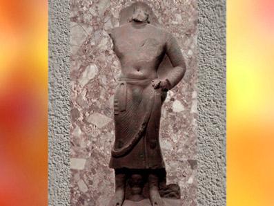 D'après le thème du Bodhisattvaen grès rouge (Ie siècle apjc), école de Mathurâ, Kushâna, Uttar Pradesh, Inde du Nord. (Marsailly/Blogostelle)