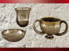 D'après de la vaisselle en électrum et argent, vers 2300–2000 avjc, Anatolie. (Marsailly/Blogostelle)