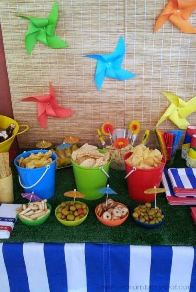Festa Na piscina varias comidas