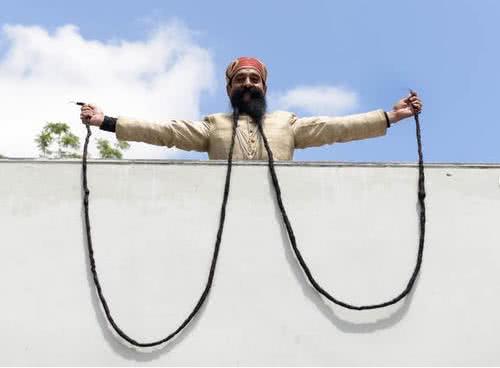 全球鬍鬚最長的男子