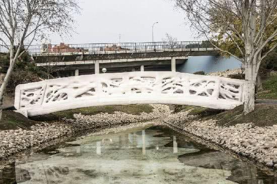 全球首座3D列印橋