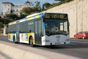Bus-83-Marseille © Emmanuel-Dautant---Creative-Commons-Wikimedia