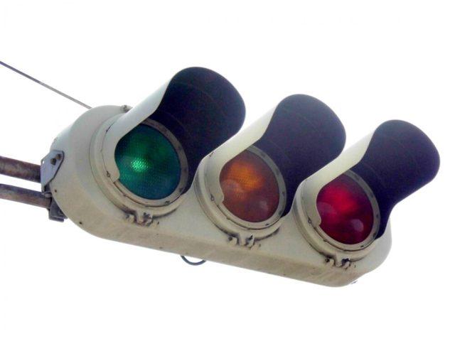 信号機、青信号、赤信号、黄信号、