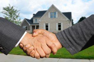 realtors selling homes