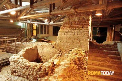 i-sotterranei-della-citta-dellacqua-e-la-fontana-di-trevi-3