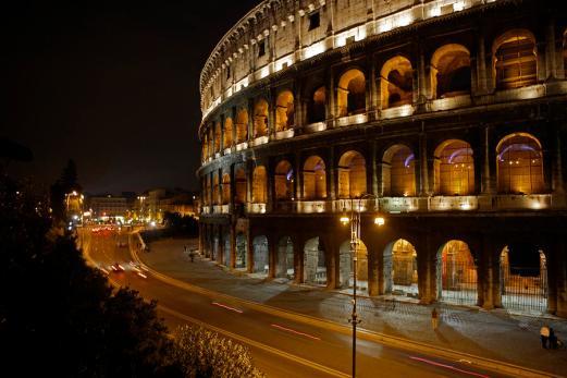 the-colosseum-at-night-stephen-alvarez.jpg