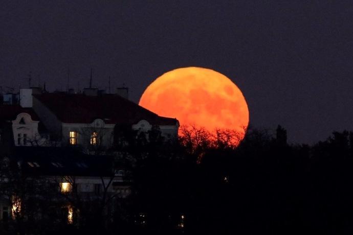 eclissi-luna_27lug18-3