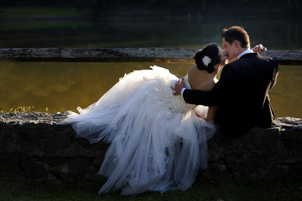 bride-3085841_1280.jpg