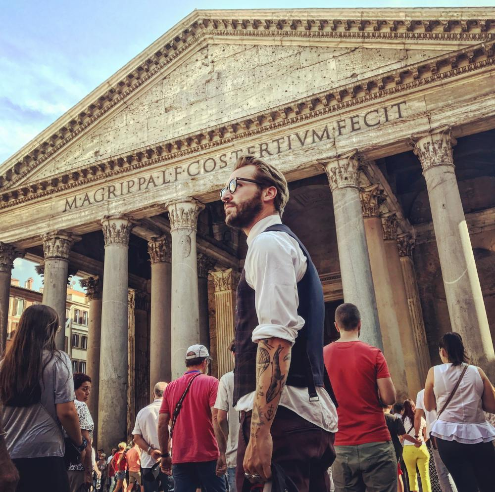 Pioggia di petali al Pantheon 2019