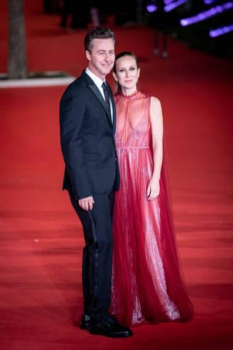 Edwart Norton attends the red carpet for the Motherless Broklyn Movie with his wife Shauna Robertson during the 14th Rome Film Fest at Auditorium Parco Della Musica on 17 October 2019. (Photo by Giuseppe Maffia/NurPhoto via Getty Images)