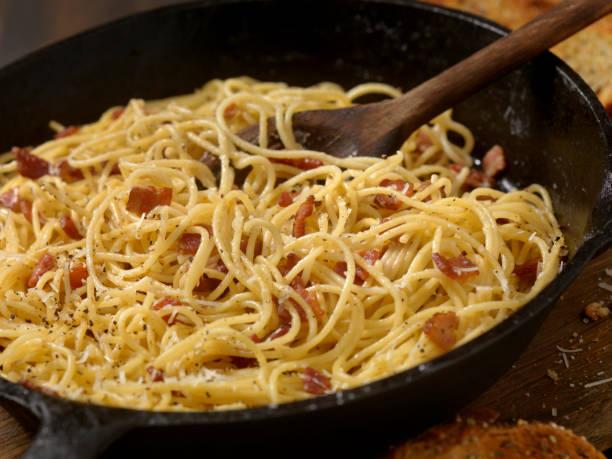 Spaghetti Carbonara with Garlic Bread