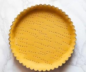 preparare-il-guscio-di-pasta-frolla-Ricetta-crostata-ricotta-e-visciole-