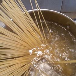 sugo-alla-amatriciana-quinto-passaggio-spaghetti