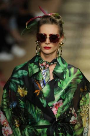 MILAN, ITALY - SEPTEMBER 22: A model, sunglasses detail, fashion detail, walks the runway at the Dolce & Gabbana show during the Milan Fashion Week Spring/Summer 2020 on September 22, 2019 in Milan, Italy. (Photo by Andreas Rentz/Getty Images)