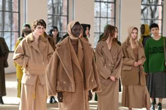 MILAN, ITALY - FEBRUARY 25: Finale at the Max Mara Fall/Winter 2021-2022 show during Milan Fashion Week on February 25, 2021 in Milano, Italy. (Photo by Daniele Venturelli/Daniele Venturelli/ Getty Images for Max Mara)